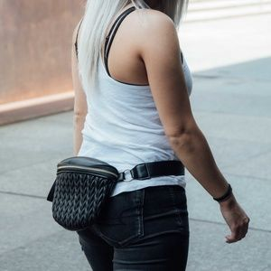 CLOSET REHAB Bags - Quilted Waist Pack in Black